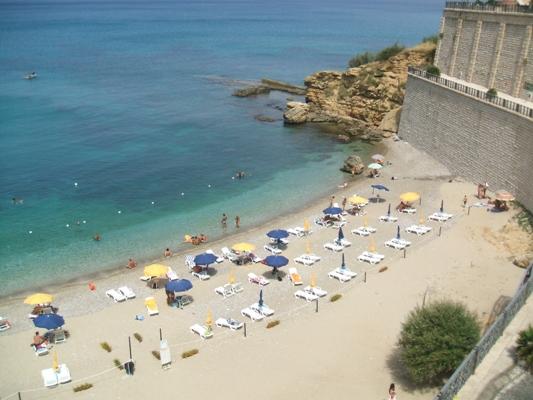 Stadtstrand von Castellammare del Golfo